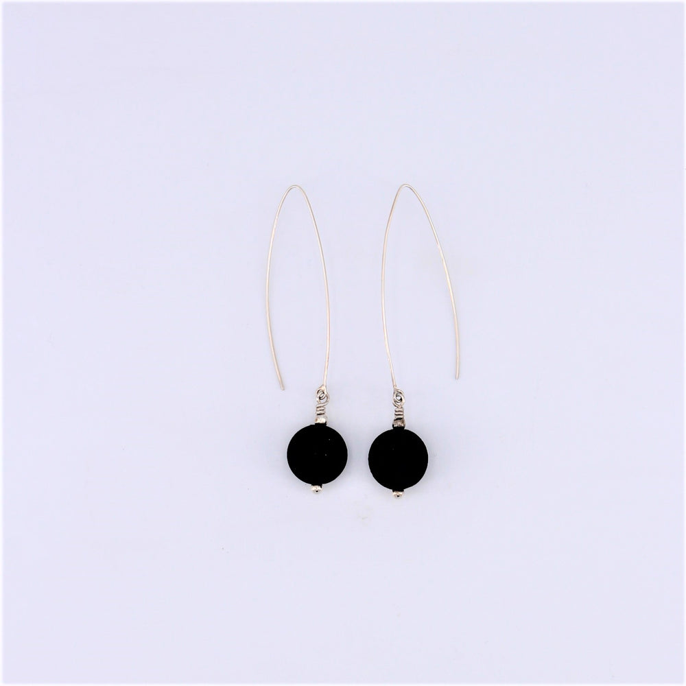 Manutara Small Circle Earrings