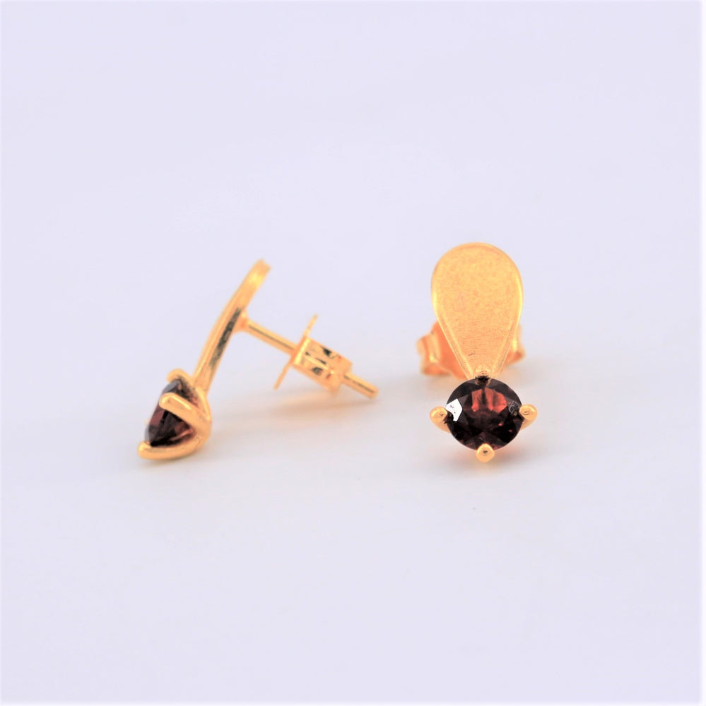 Garnet Solitare Earrings