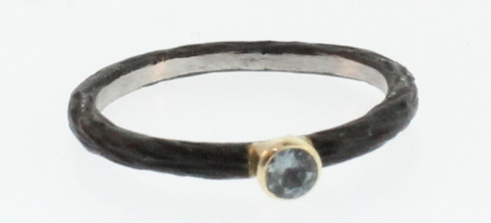 LIGHT BLUE SAPPHIRE PEBBLE STACKING RING