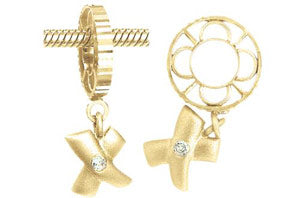 W-19SAN Kiss Dangle with Diamond