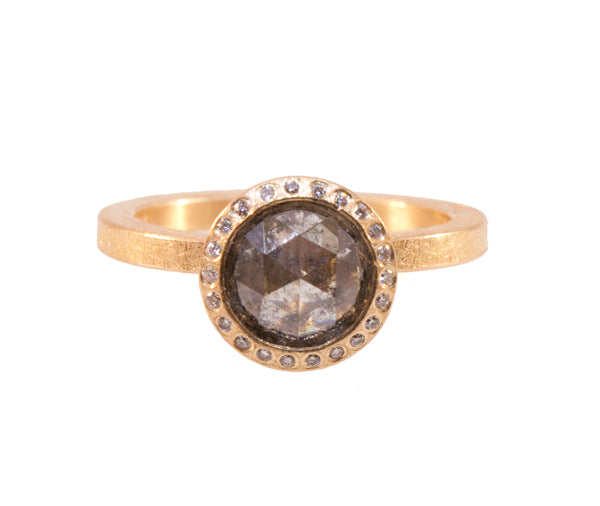 Round Diamond Center Stone Ring