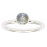 Cabochon ring with moonstone - MASO shop