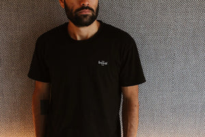EMBROIDERED BLACK TEE