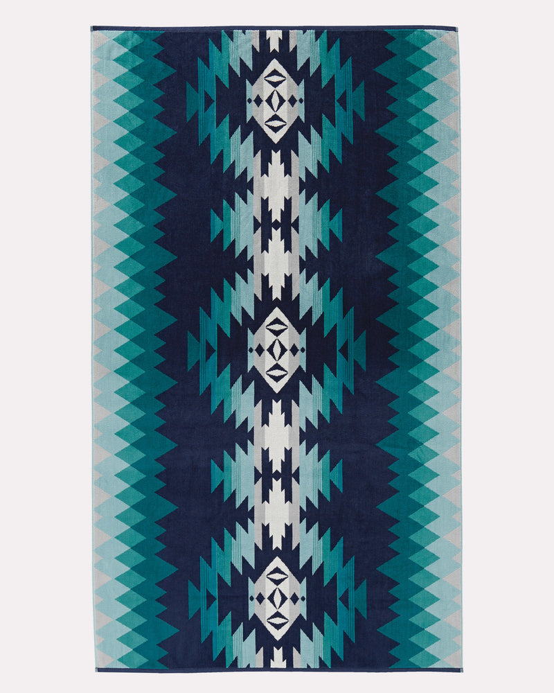 Pendleton Oversized Jacquard Spa Towel