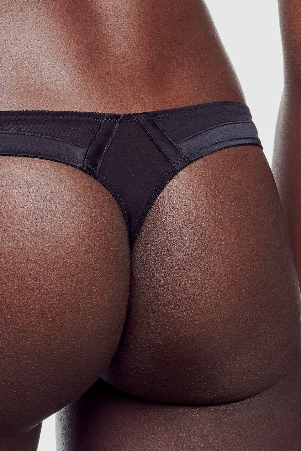 Expose Thong Black