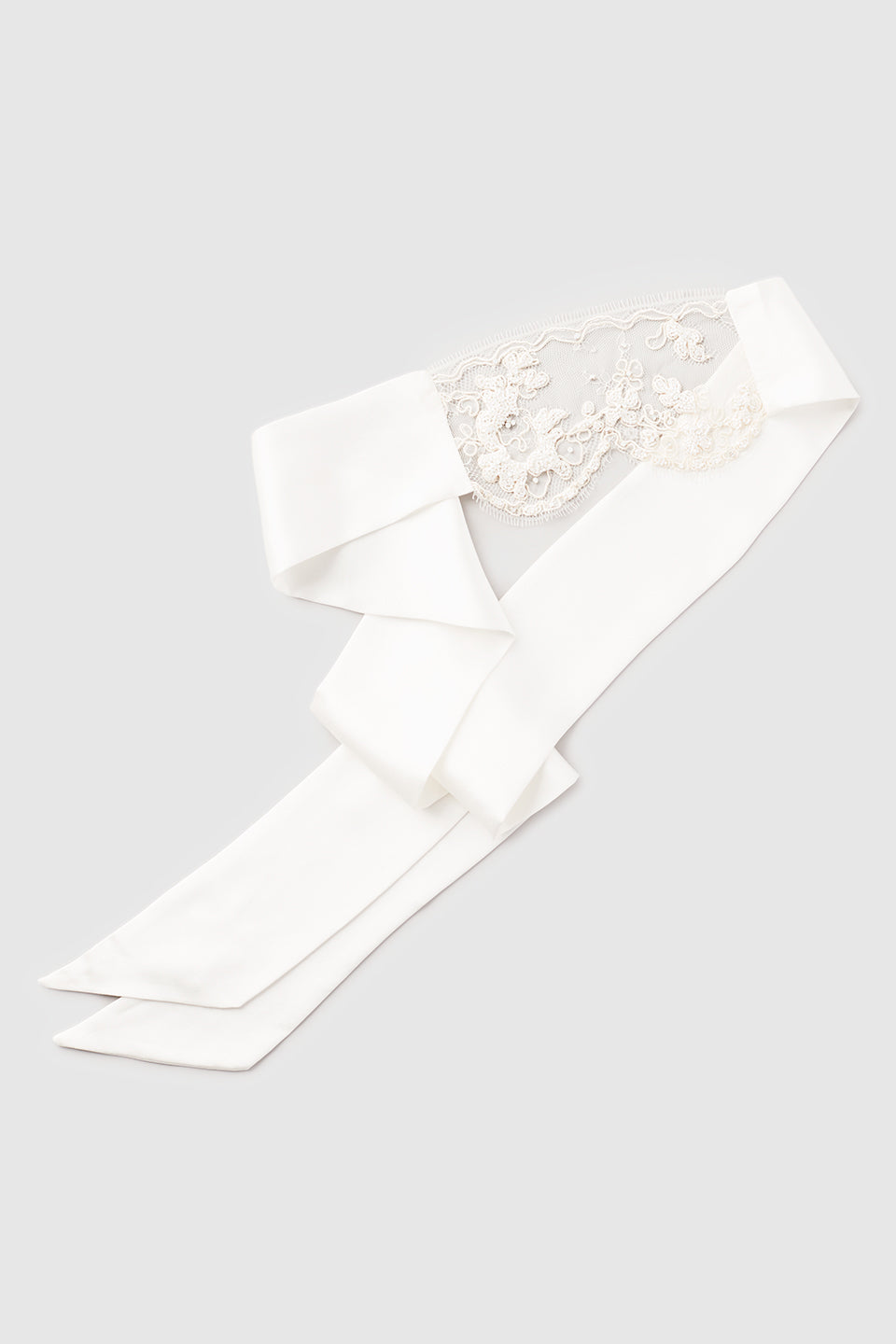 Lace Beaded Blindfold White