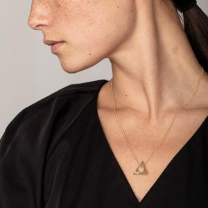 Collier triangle poiçon Sigyn