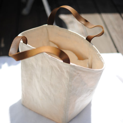 Sun bleaching wet Millie Lottie Tote