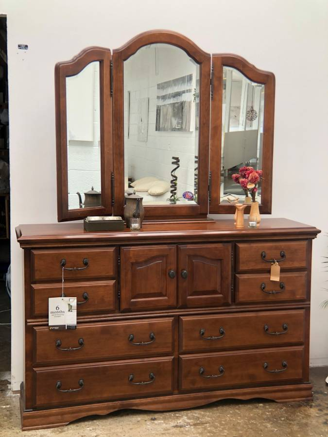Sustainable American Alder Dresser + Wing Mirror