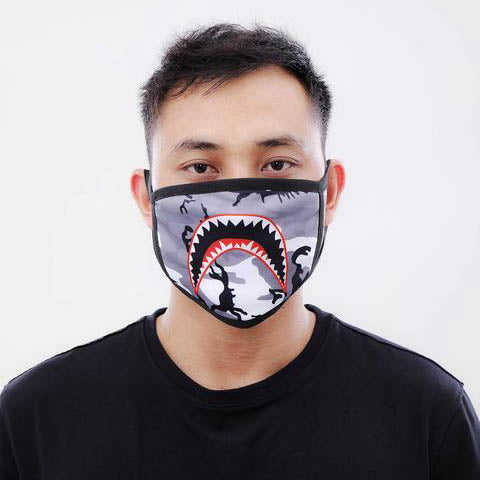 SHARK MOUTH FACE MASK WHT
