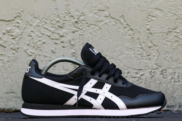 TIGER RUNNER BLACK/WHITE