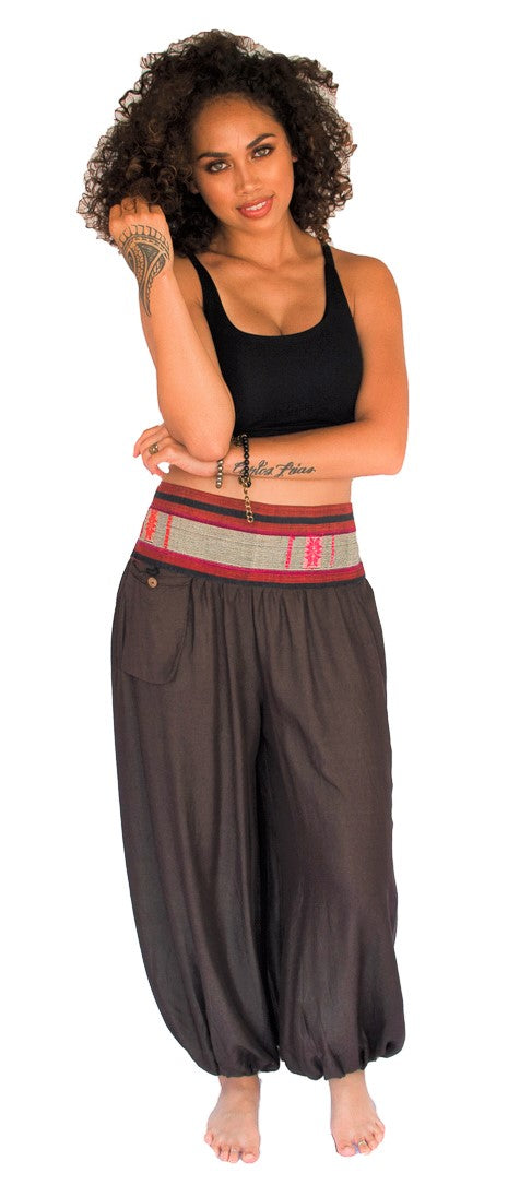 Aladdin Pants in Brown