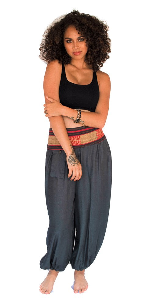 Aladdin Pants in Grey