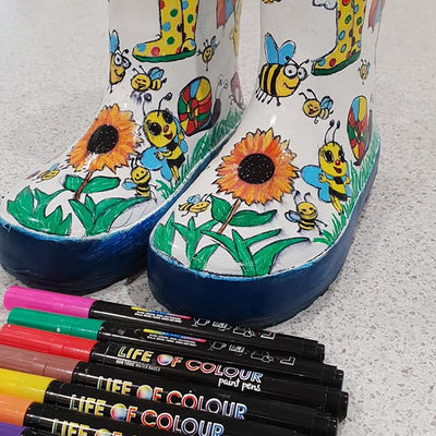 Spring in your Shoes: funky and colourful painted shoes