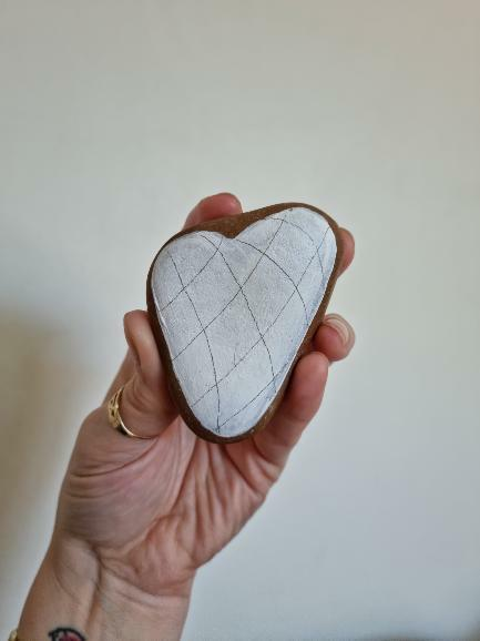 Stone Painting for Beginners - do I need to prime my rocks for rock painting
