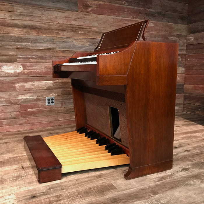 Hammond A-100 Organ and Leslie 45 Speaker View 3