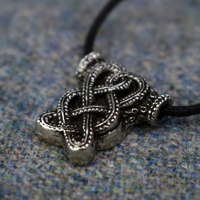 Hiddensee Knot Pendant