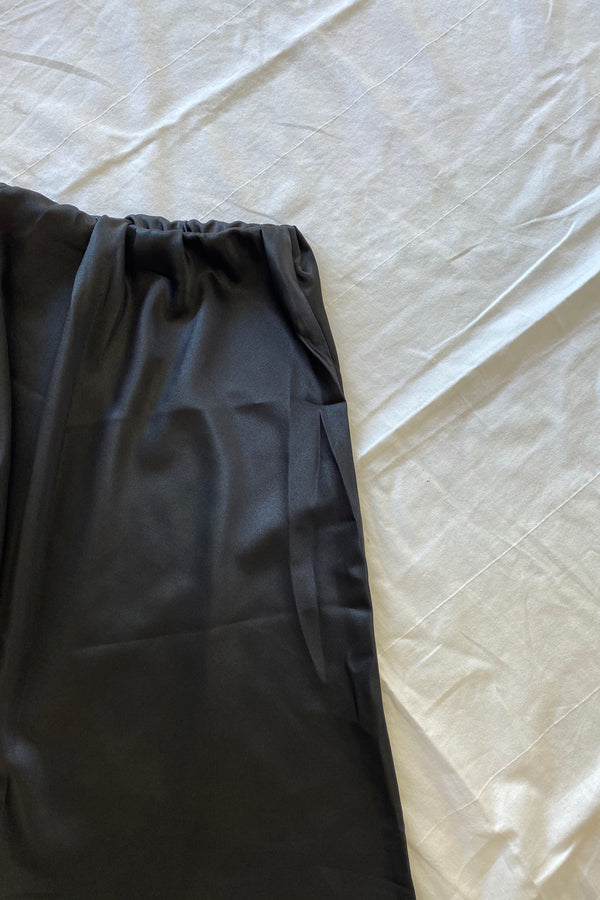 CHLOE SATIN SKIRT - BLACK