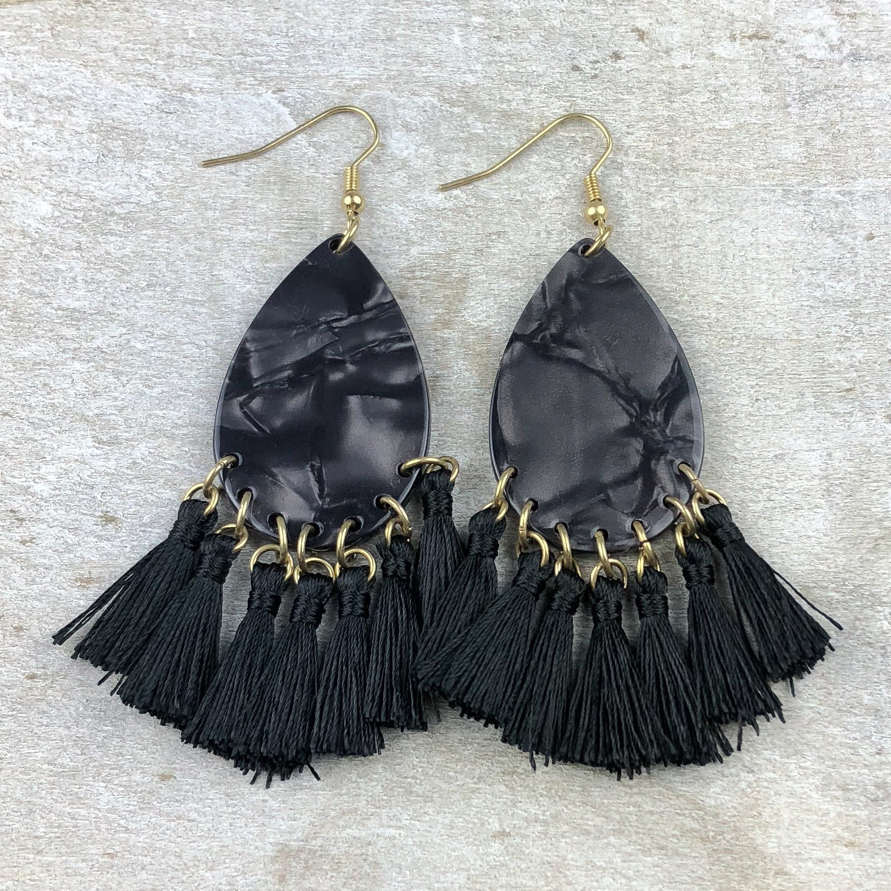 Seaside Beauty Tassel Earring -Black