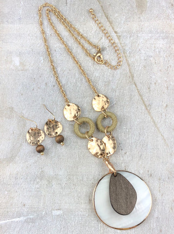 Beachside Treasure Necklace Set