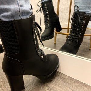 Latch Booties-(Black)