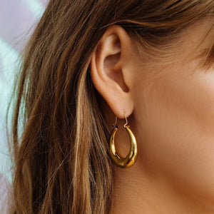 The Martina Tube Hoops- Gold