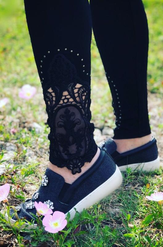 Lace Medallion leggings