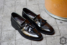 Load image into Gallery viewer, 506 Skirt Loafers Black