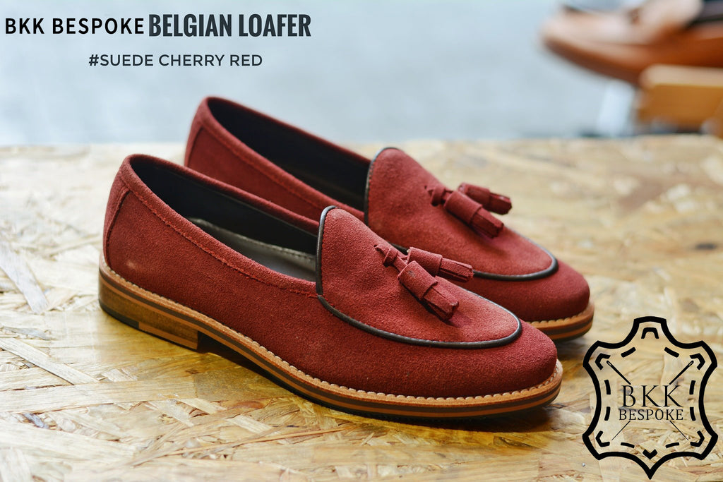 Belgian Loafer X Tassels Suede Cherry - Wooden base