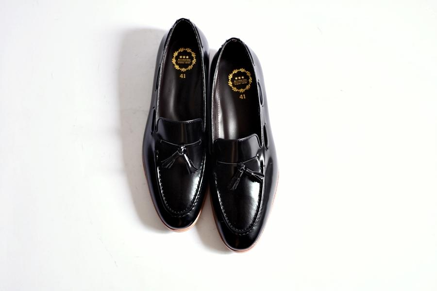 503 Tassel Loafer Black - Wooden Base