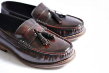 Load image into Gallery viewer, 501 Tassel Loafer Burgundy