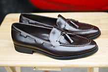 Load image into Gallery viewer, 503 Tassel Loafer Dark Brown-Black