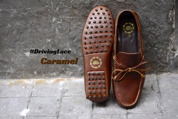 823-2 Driving Loafer Caramel with Lace