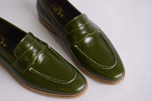 Load image into Gallery viewer, 509 Penny Loafer Green