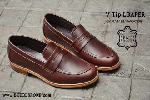 V-Tip Blutcher Loafer Caramel x Wooden