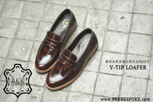 Load image into Gallery viewer, V-Tip Blutcher Loafer Burgundy x Wooden