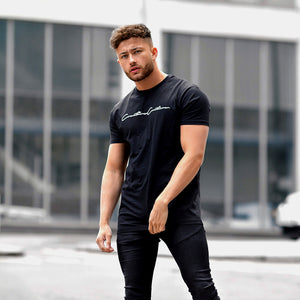 BLACK SIGNATURE OUTLINE T-SHIRT