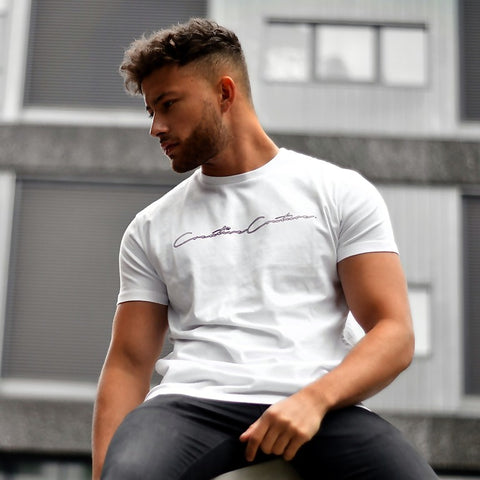 WHITE SIGNATURE OUTLINE T-SHIRT