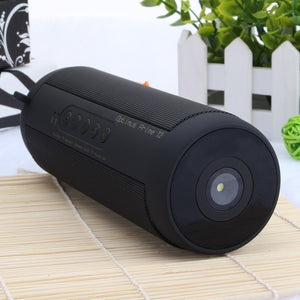 New Fashion IPX7 Waterproof Wireless Outdoor HIFI Stereo Column Speaker Bluetooth Subwoofer Sound Box with Flashlight Large Batt