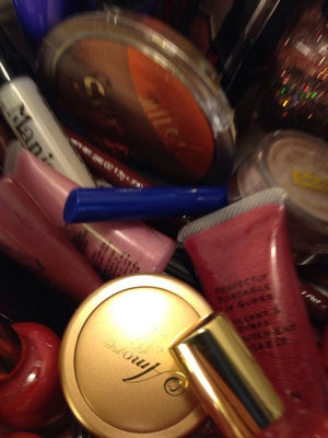 25 Piece Brand New Maybelline, Revlon, Covergirl, Milani & Jordana, Amore Mio and...