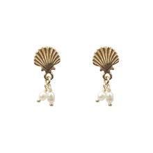 À LA SHELL WITH FRESHWATER PEARLS EARRINGS