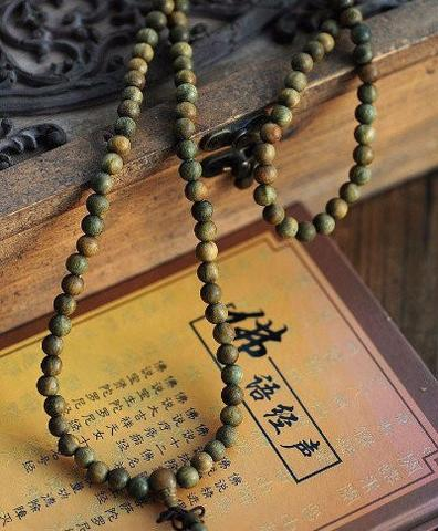 Green Sandalwood Bracelet (Mala) - Spiritual Bliss Shop
