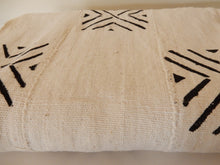 Mud Cloth (Bogolan) – White with Black inverted V squares