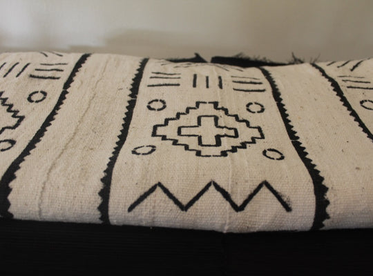 Mud Cloth (Bogolan) – White/black vertical pattern