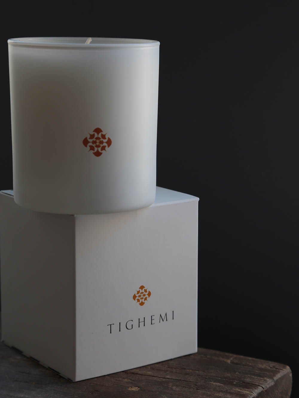 Tighemi Signature Sandalwood and Cardamom Scented Candle