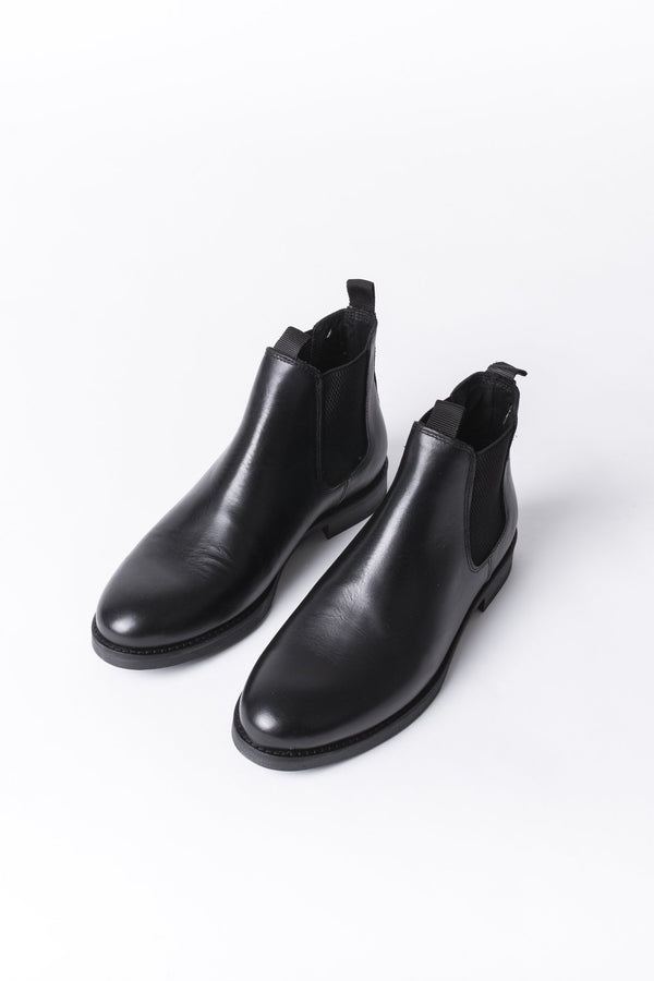 Chelsea Boots - Black Leather