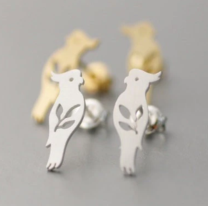 Cockatoo stud earrings - silver color