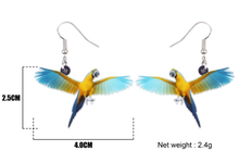 Flying Blue & Gold Macaw acrylic pierced earrings & measurements
