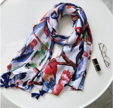 Galah, Leadbeater, Scarlet Macaw, Blue & Gold Macaw, African Grey & more parrots on this scarf!