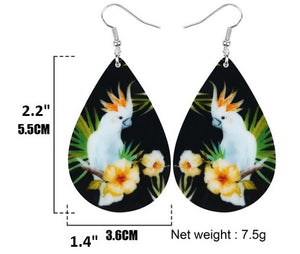 Sizing of Citron cockatoo parrot teardrop pierced earrings